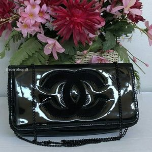 Authentic Chanel VIP Gift Patent chain bag